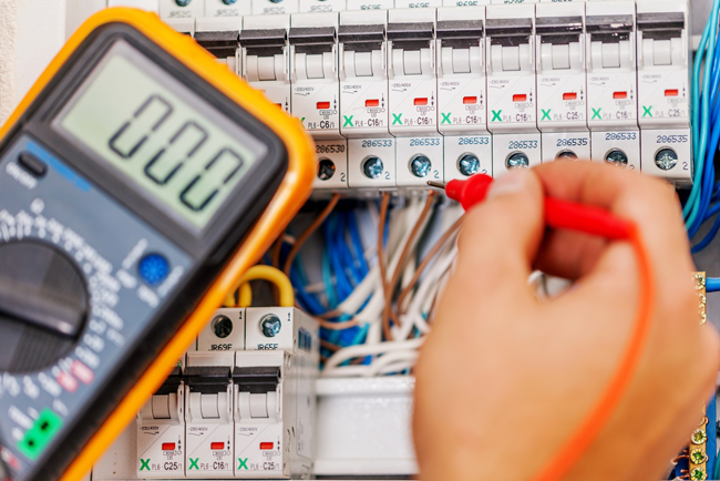 Dos and Don'ts of Electrical Safety! - Aqualine Plumbing ... Wiring Electrician on
